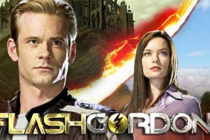 Un joven Flash Gordon se enfrenta al malvado Ming en el planeta Mongo