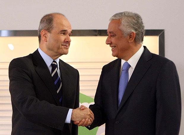 ¿Por qué ocultó Chaves el debate en Canal Sur con Javier Arenas fuera de Andalucía?