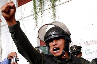 Varios policías bolivianos amenazan con inmolarse si el Gobierno no sube sus salarios