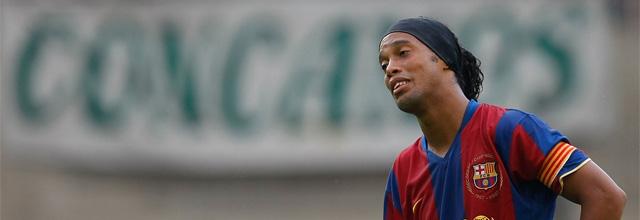 Ronaldinho se sale con la suya y jugarán en el Milan