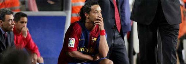 """Envite de Ronaldinho a Rijkaard: """"Con molestias o sin ellas, quiero jugar en Mestalla"""""""
