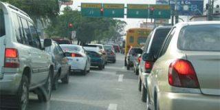 """Los gases del tráfico """"estresan"""" el cerebro"""