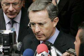 """Uribe se compromete a no repetir una operación como la que acabó con """"Raúl Reyes"""""""