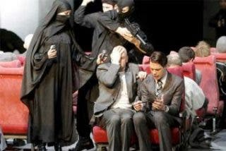 La obra de teatro 'Los versos satánicos' se estrena con polémica en Alemania