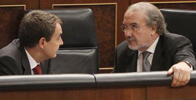 """El Gobierno admite que España """"no es inmune"""" a la crisis tras negarlo antes del 9-M"""