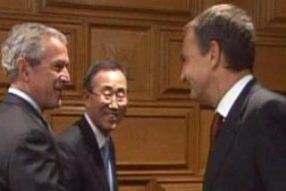 """En encuentro anunciado de Bush y ZP se queda en un """"hola, hola, felicidades"""""""
