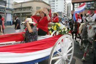 Cabalgata en Asunción para apoyar a la candidata oficialista