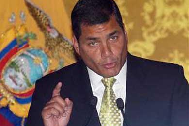 """Rafael Correa a las FARC: """"No pongan un solo pie en territorio ecuatoriano"""""""