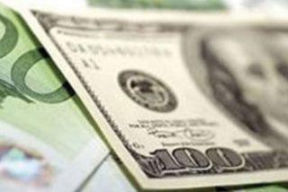 Los médicos hallan en el estómago de una mujer 15.000 dólares