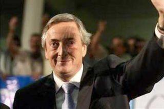 Néstor Kirchner se estrena como virtual jefe del peronismo