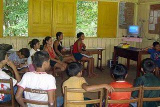 Profesores y alumnos con alma de 'héroe' luchan por la educación en Brasil