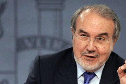 Solbes asegura que ninguna entidad financiera española está en riesgo