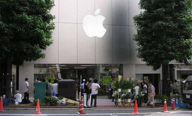 Las tiendas de EEUU tienen el iPhone agotado, ¿quizá por la inminente llegada del nuevo modelo?