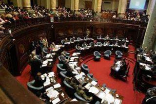 """La izquierda uruguaya desautoriza a Vázquez y derogará la """"Ley de caducidad"""""""