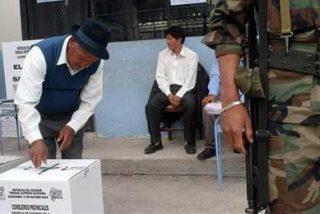 Los países andinos con mayor democracia son los que menos confían en ella
