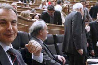 Zapatero es investido presidente por mayoría simple