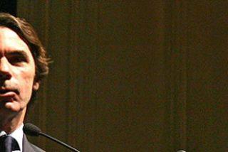 Aznar llama al PP a cerrar filas