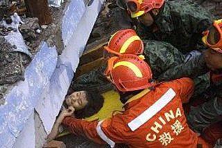 China eleva a 20.000 los muertos y 18.600 los sepultados bajos los escombros
