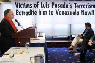 Ex diplomático de EE.UU. en Cuba dice que sería ilegal dar dinero a disidentes