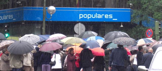 """La lluvia se alía con Rajoy consigue disuadir a muchos """"sublevados"""" se manifiestarse"""