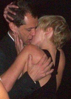 Jude Law mantiene una relación con la hija de Rod Stewart