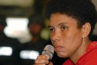 """""""Karina"""" dice que su entrega fue un golpe duro para las FARC y anuncia colaboración"""