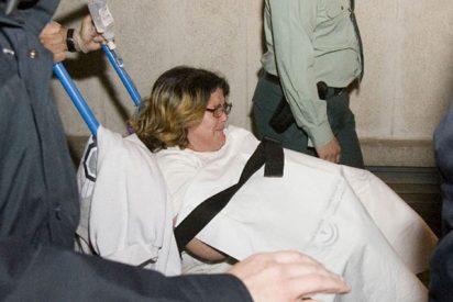 La mujer del acusado de matar a Mari Luz sufre una crisis de ansiedad al declarar
