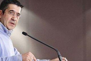 """Patxi López cree que el término """"nación"""" es adecuado para definir al País Vasco"""
