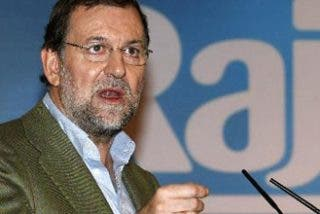 """Rajoy: """"Hay muchos extranjeros cobrando paro y españoles buscando trabajo fuera"""""""