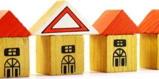 La compraventa de viviendas sigue en caída libre: se desploma otro 27,7% en octubre