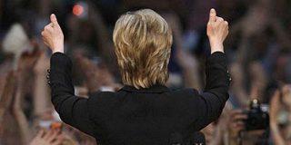 """Hillary Clinton se despide con el grito de Obama: """"Yes we can"""""""