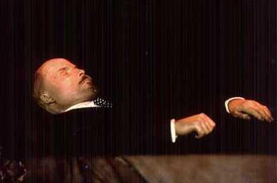 Gorbachov aboga por sepultar a Lenin y crear un museo para las víctimas de Stalin