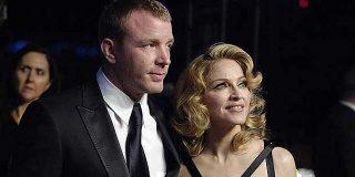 Guy Ritchie trata de evitar que Madonna se lleve a sus hijos a Estados Unidos