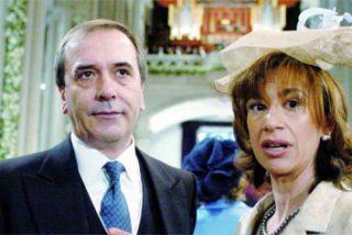 También Alonso enchufa a su mujer
