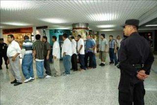 División en la Eurocámara por votación de norma sobre expulsión de inmigrantes