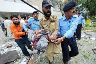 Al menos ocho muertos en una explosión frente a la embajada danesa en Pakistán