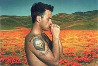Robbie Williams se va al desierto en busca de OVNIS