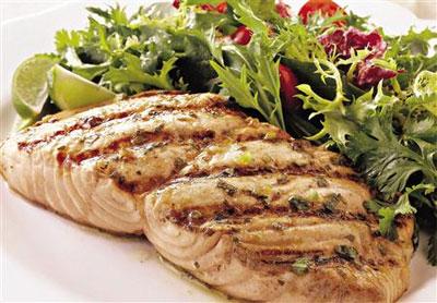 Comer pescado disminuye la agresividad criminal
