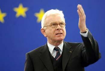 """Hans-Gert Pöttering: """"El Tratado de Lisboa acerca la Unión a sus ciudadanos"""""""
