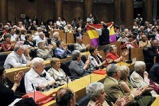 Lanzan vivas a la república en un acto en el Congreso presidido por Bono