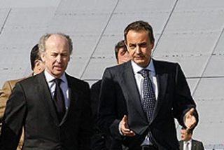 Zapatero descarta la energía nuclear por la escasez de agua y apuesta por las renovables