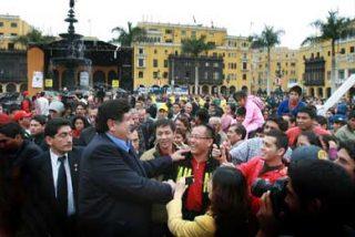 """Peruanos celebraron el """"Día Nacional del Pisco"""""""