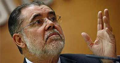 Los secretarios quieren la cabeza de Bermejo y los jueces, la rectificación de De la Vega