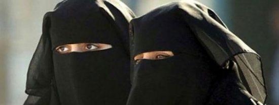 No puede ser francesa por llevar burka