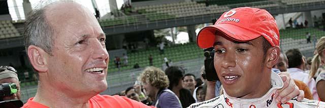 """Dennis: """"Hamilton no necesita a Kovalainen para ganar el Mundial"""""""