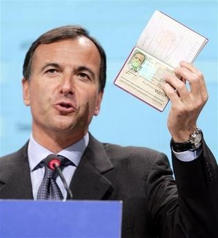 El ministro de Asuntos Exteriores italiano pide un banco europeo de datos de niños gitanos
