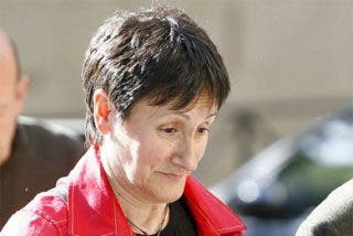 Pedraz deja en la calle a la alcaldesa proetarra de Mondragón tras pagar la fianza