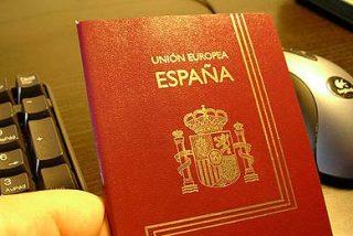 Un centenar de futbolistas, involucrados en una red de falsificación de pasaportes