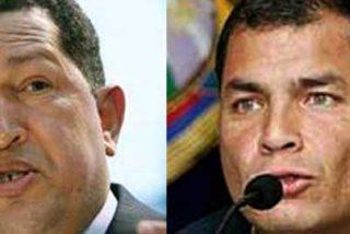 Chávez y Correa arremeten contra la prensa y proponen censurarla