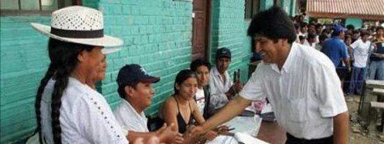 """Morales aprueba """"con nota"""" los sondeos del revocatorio"""